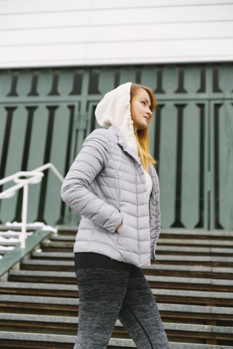 Jak wybrać najlepszą kurtkę narciarską damską? Mini przewodnik zakupowy